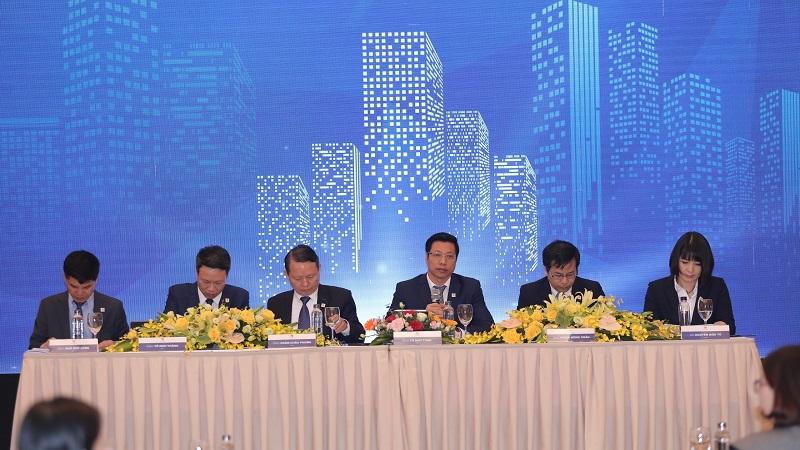 Đại hội Văn Phú - Invest: Dòng tiền dồi dào, quỹ đất đủ cho 10 năm hoạt động